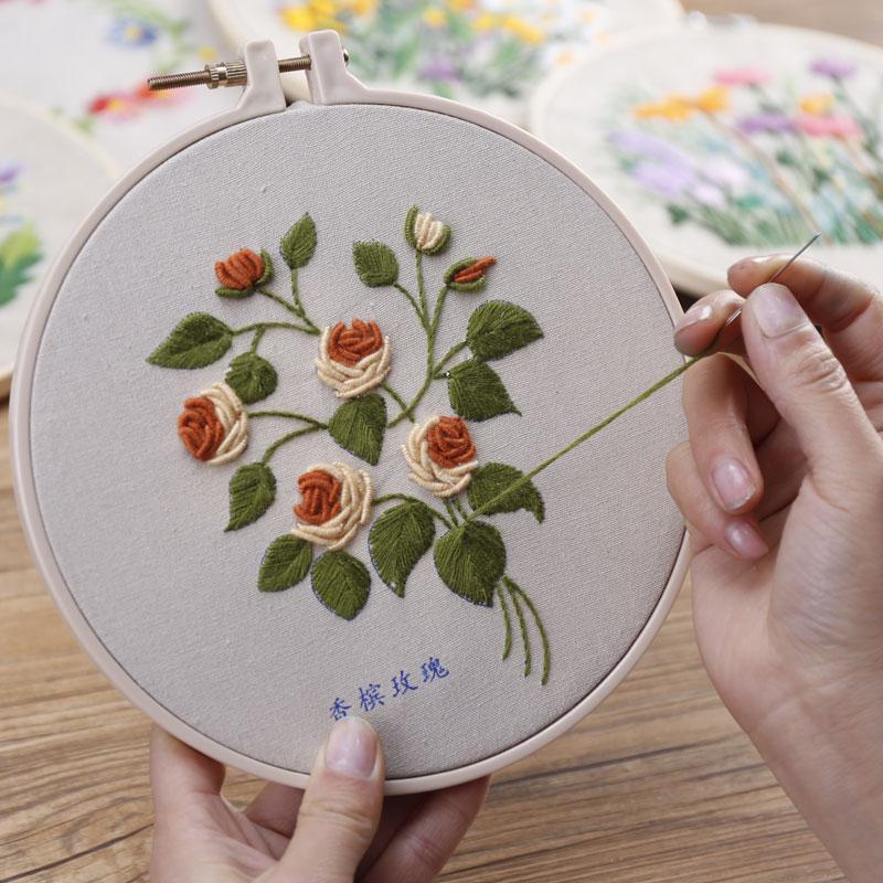 diy手工刺绣教程_花朵刺绣教程步骤图片